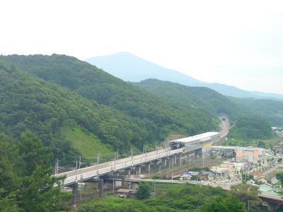 姫神山を望む